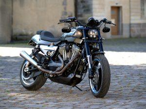 Je n'ai besoin de personne en Harley Davidson